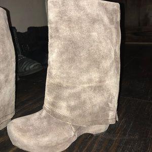 ❤️Vera Wang Lavender Label Suede Zip Wedge Boots
